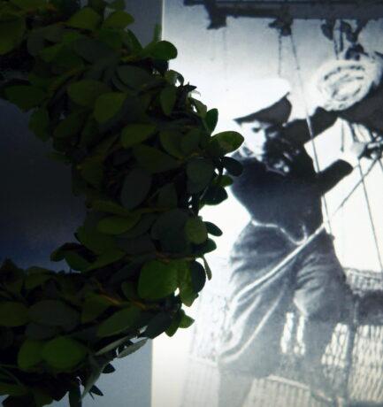 Chapeau! 1893 sprang Käthe Paulus aus 1.500 m Höhe und landete wohlbehalten auf der Erde.