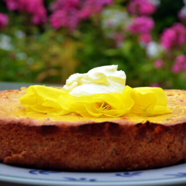 Lass' es Dir schmecken: Ein paar Wochen im Jahr Obstkuchen mit Rosenacht !